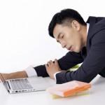 食後の眠気の原因と強烈な睡魔は要注意!対策で効果的なのは?