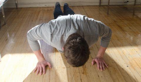 腕立て伏せで胸に効かない原因!効果のある方法で大胸筋を大きくする