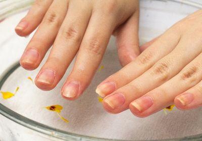 爪が割れる原因と予防!丈夫にする方法で指先美人に!