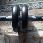 腹筋ローラーの使い方!初心者が腰を痛めない効果的な方法
