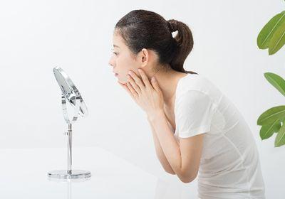 顔が老ける原因と解消する方法!老け顔を改善する食べ物とは?