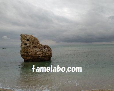 ウミカジテラス 子宝岩